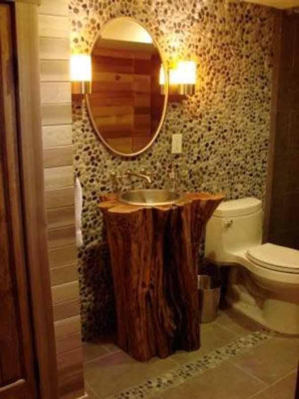 Madeira rústica na decoração do banheiro 014