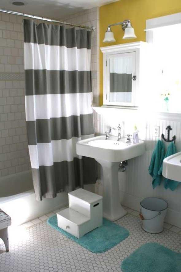 Cortina no banheiro 012