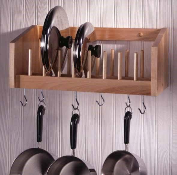 Utensílios de cozinha nas paredes 014