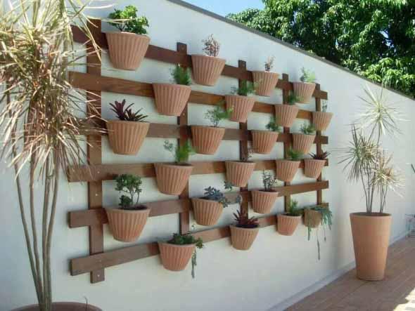 Jardim vertical no corredor 002