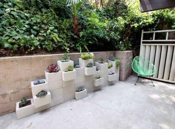 Jardim vertical no corredor 012
