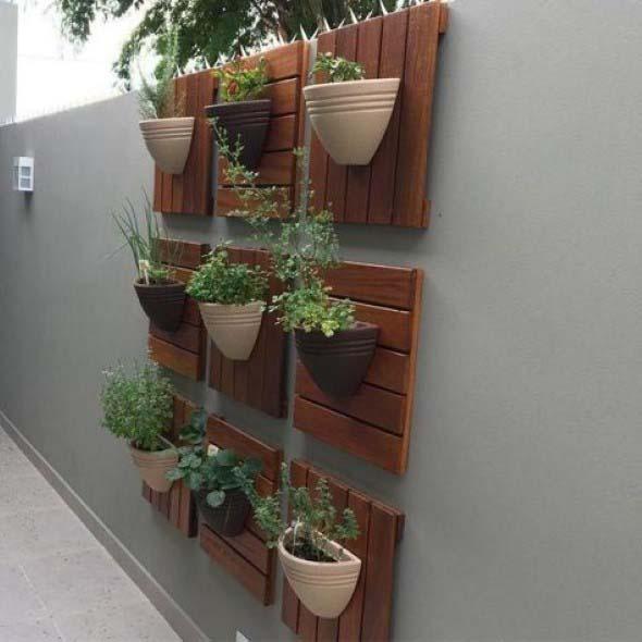 Jardim vertical no corredor 018