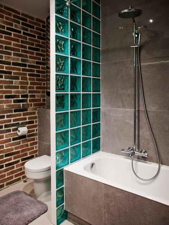 Tijolos de vidro na decoração do banheiro 002