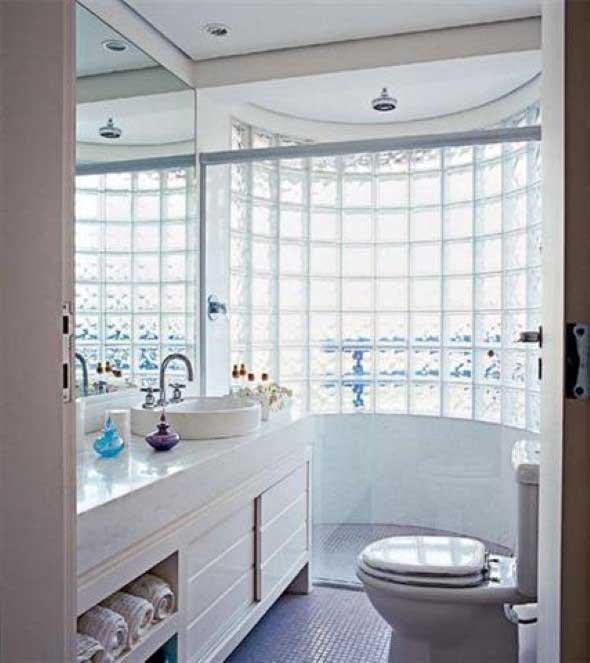 Tijolos de vidro na decoração do banheiro 003