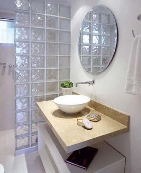Tijolos de vidro na decoração do banheiro 007