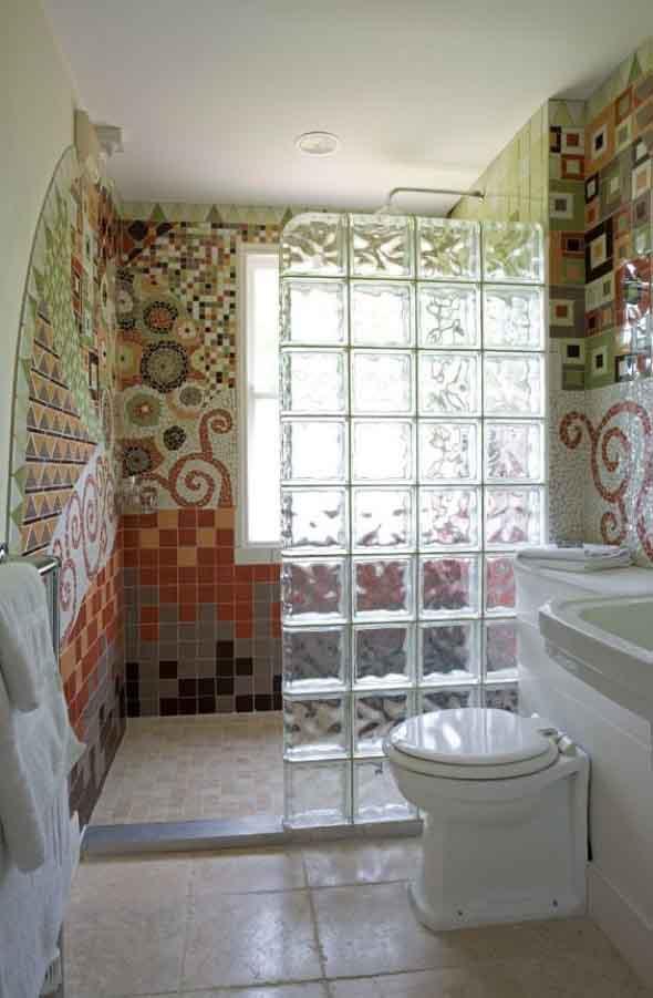 Tijolos de vidro na decoração do banheiro 015