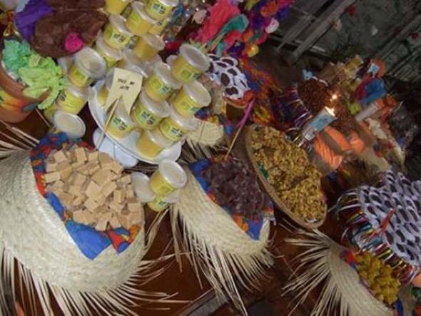 Decoração mesa Festa Junina 010