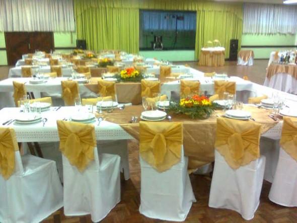 Decoração para festa de bodas de ouro 001