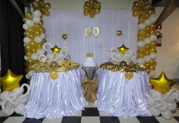 Decoração para festa de bodas de ouro 005