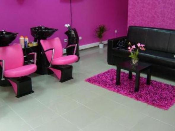 Decoração simples para salão de beleza 006