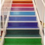 Decorar escadas com degraus pintados 004