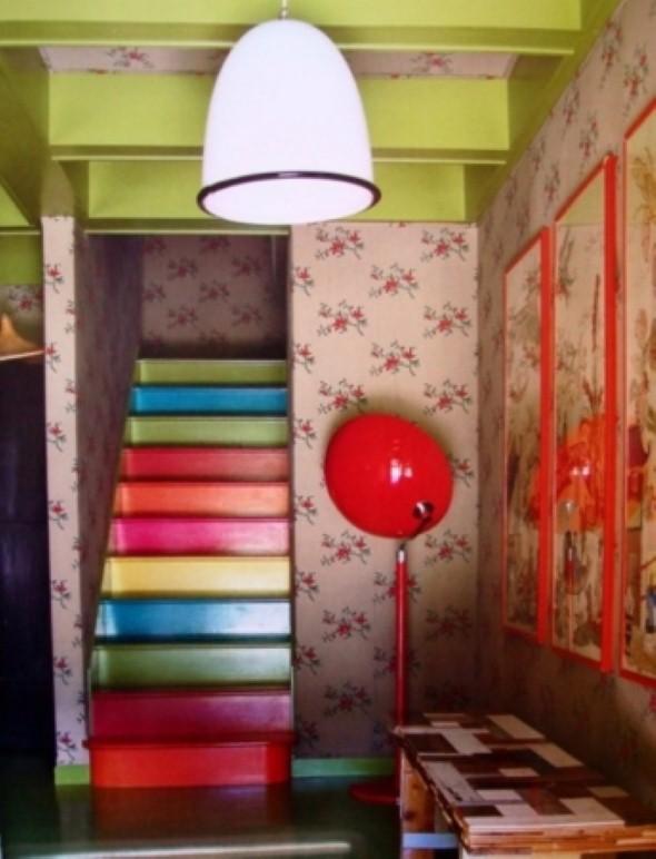 Decorar escadas com degraus pintados 008