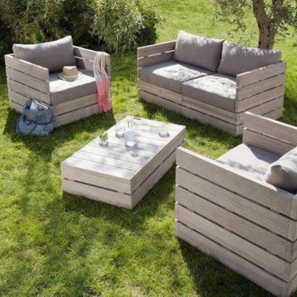 Sofás com paletes e madeira reciclável 014