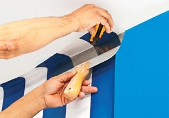 Como aplicar papel de parede em casa 005