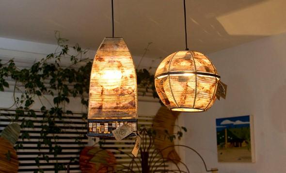 Luminária pendente de material reciclado 002