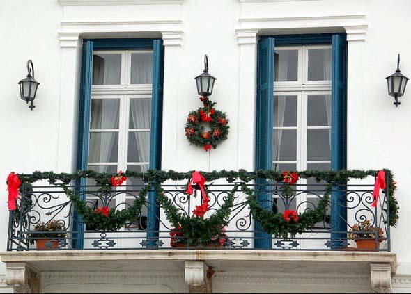 Decorar a varanda de apartamento para Natal 006