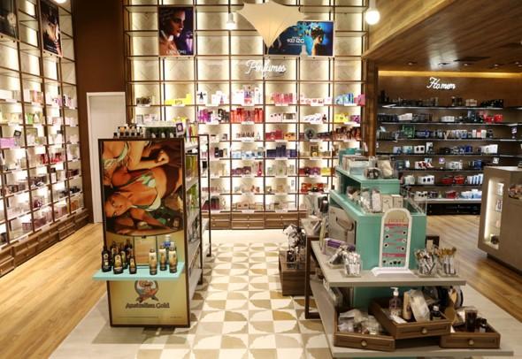 Decorar loja de perfume 011