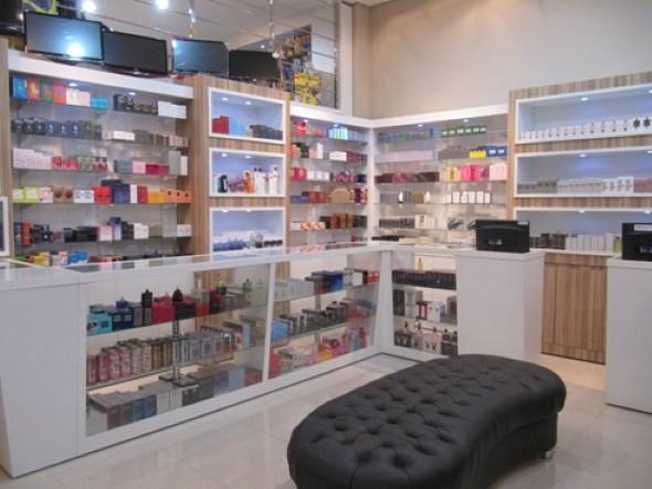 Decorar loja de perfume 016