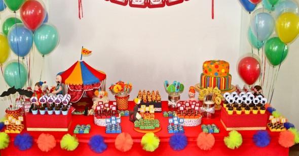 Decorar mesa de aniversário simples 001