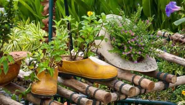 Enfeite para jardim reciclado 013