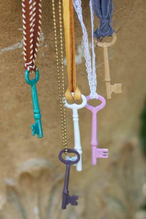 Transforme chaves velhas em objetos de decoração 009