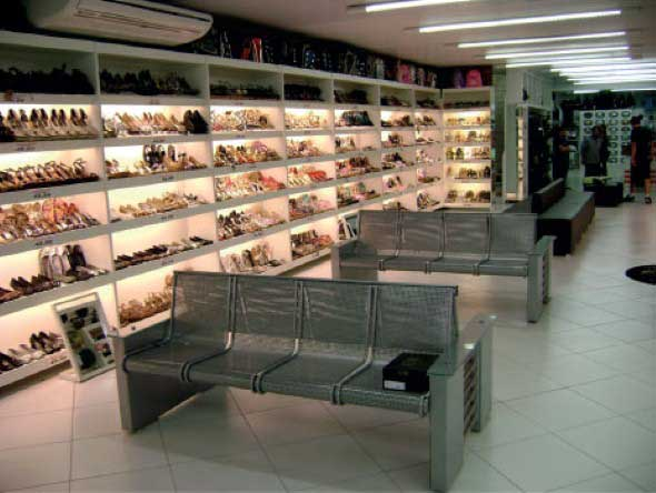 Como decorar loja de calçado 002