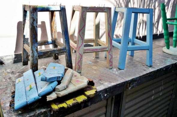 Restaurando banquinhos velhos 012