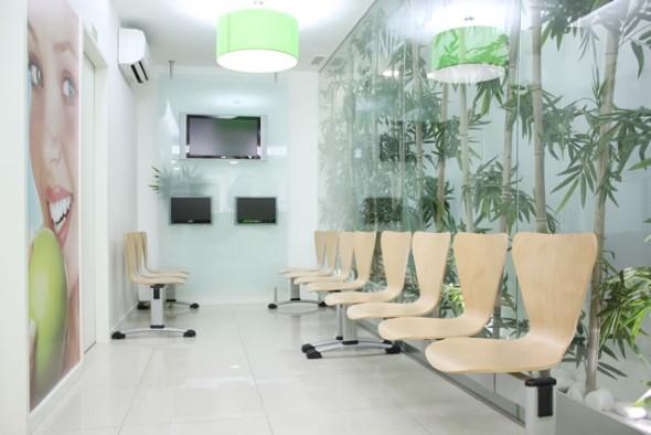 Decoração para sala de espera de clínica odontológica 009