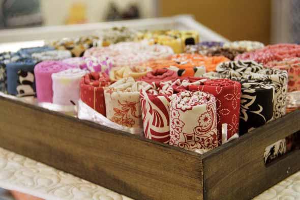 Ideias charmosas de decoração com caixotes de feira 002