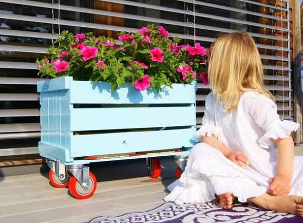 Ideias charmosas de decoração com caixotes de feira 004