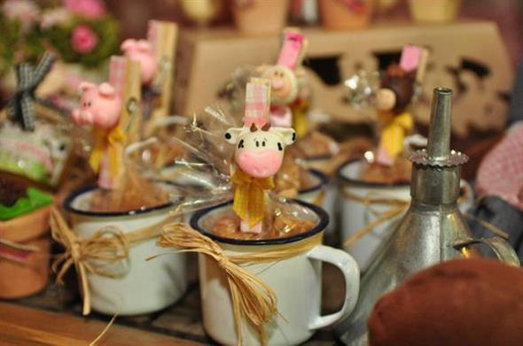 Vasos decorativos para mesa de festa 011