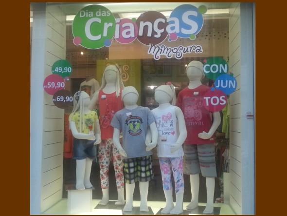 decoracao-de-vitrines-para-dia-das-criancas-007