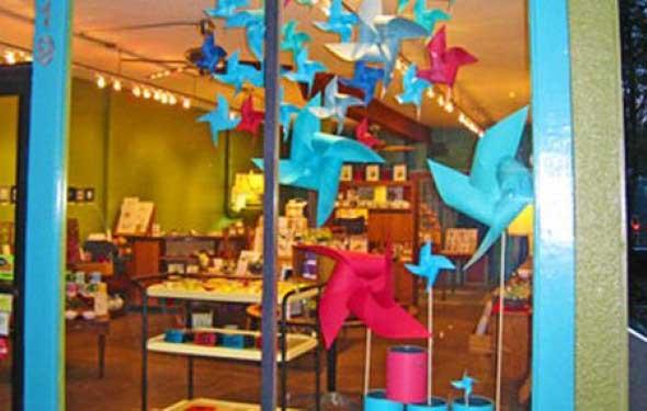 decoracao-de-vitrines-para-dia-das-criancas-014