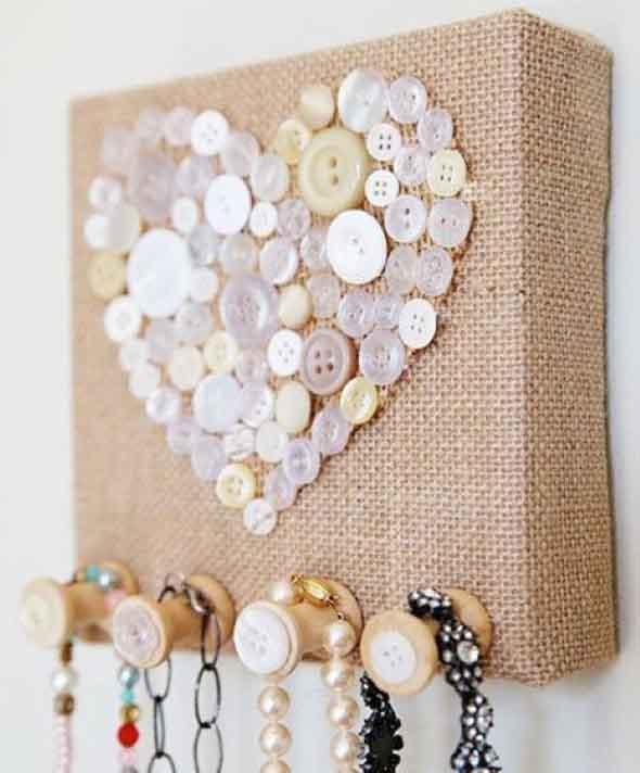 Botões de roupa na decoração 003