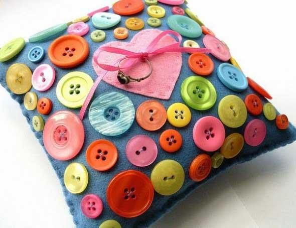 Botões de roupa na decoração 014