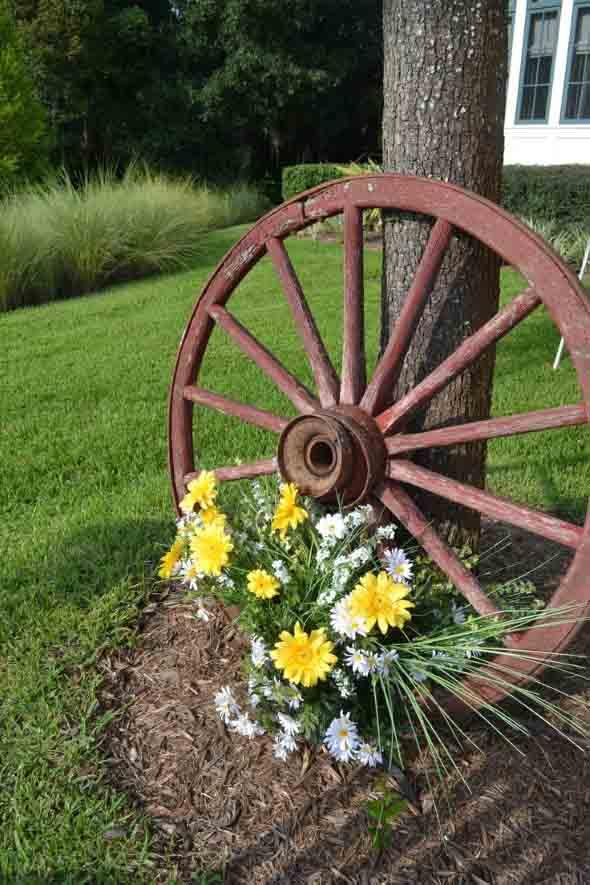 Criatividade com rodas antigas na decoração 009