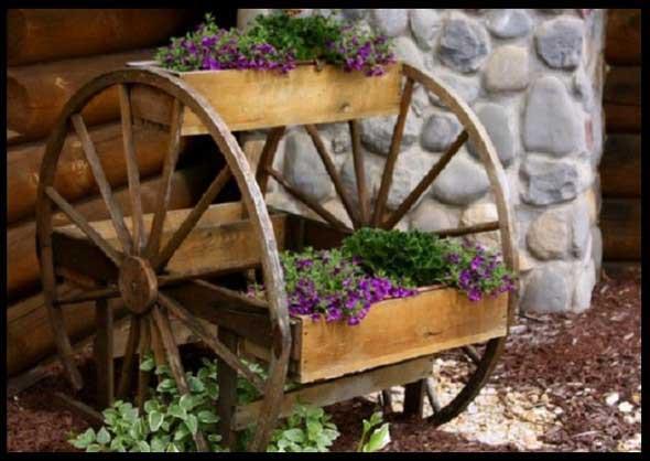 Criatividade com rodas antigas na decoração 013