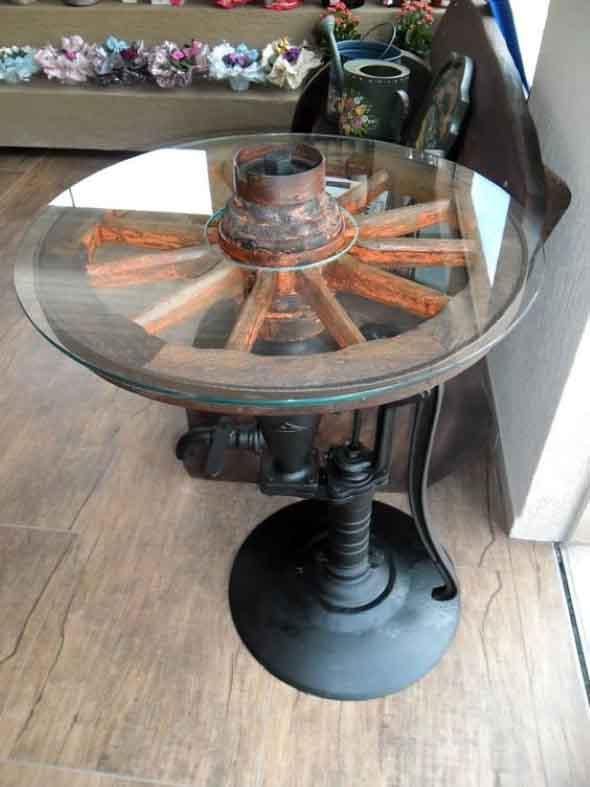 Criatividade com rodas antigas na decoração 014