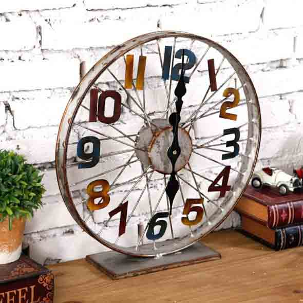 Criatividade com rodas antigas na decoração 015