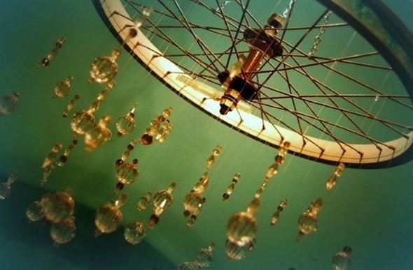 Criatividade com rodas antigas na decoração 017