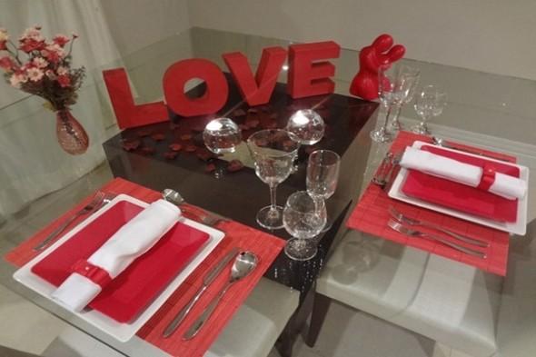 Decorando uma mesa de jantar romântica 006