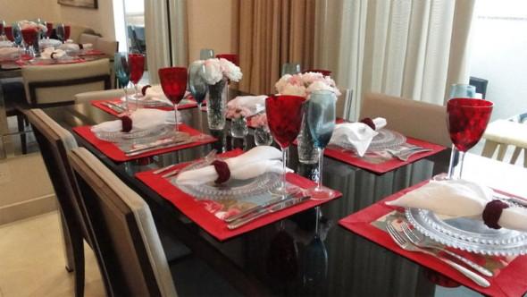 Decorando uma mesa de jantar romântica 009