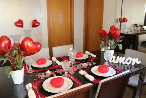 Decorando uma mesa de jantar romântica 012