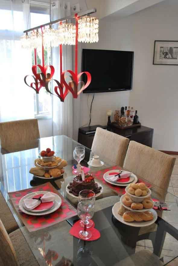 Decorando uma mesa de jantar romântica 015