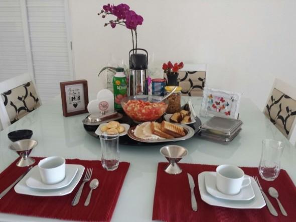 Decorando uma mesa de jantar romântica 016