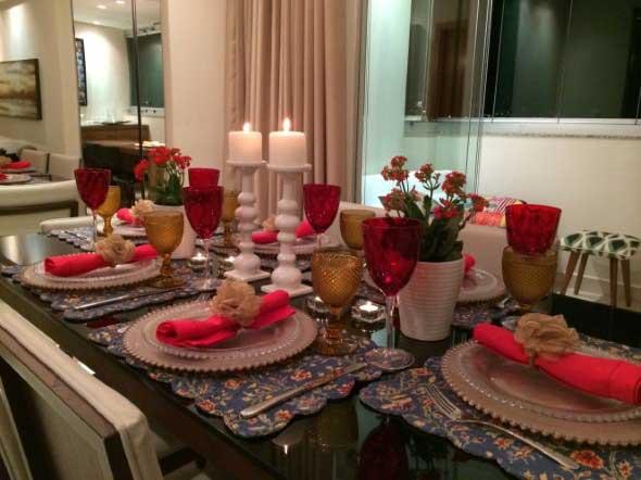 Decorando uma mesa de jantar romântica 018