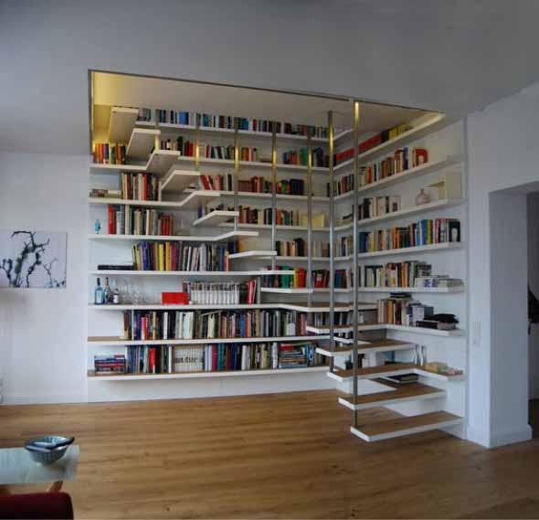 Prateleiras criativas debaixo da escada 018