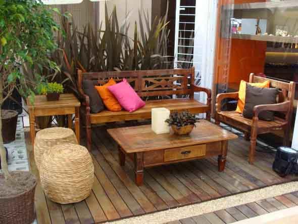 Decoração rústica na varanda e jardim 003
