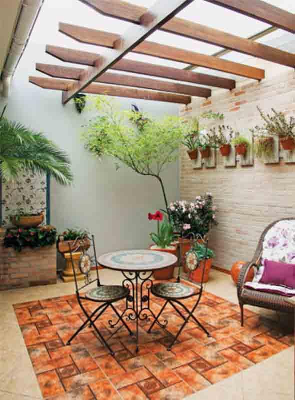 Decoração rústica na varanda e jardim 017