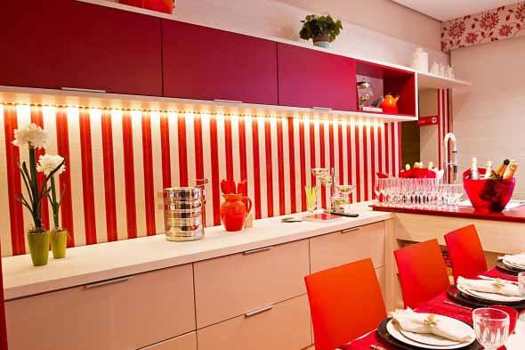 Colorido na decoração da cozinha 015